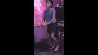 A coreografía de ella quiere hmm haa hmm