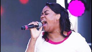 Elaine Martins - Volte a Sonhar ( Louvorzão Copacabana )