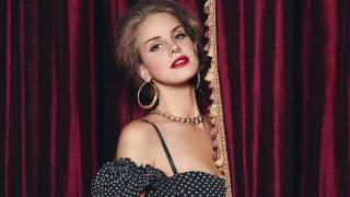 Lana Del Rey - Behind Closed Doors