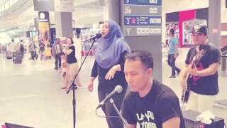 SARASARA AKUSTIKA feat. Awin (frm Sabah) cover Kau segalanya Ruth Sahanaya