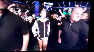 Holly Holm Entrance