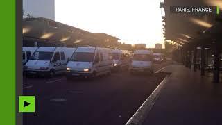 La police évacue des migrants occupant un bâtiment de l'université Paris 8