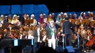 Andrea Bocelli & Riccardo Cocciante - Era gia tutto previsto (Live in Tuscany, Lajatico 2013)