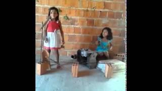 Meninas da latinha