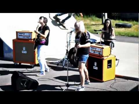dorothy-fejjel-lefele-official-dorothy-zenekar