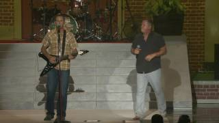 "Jim Sonefeld ""Not Waiting On Sunday"" Live With Hootie And The Blowfish"