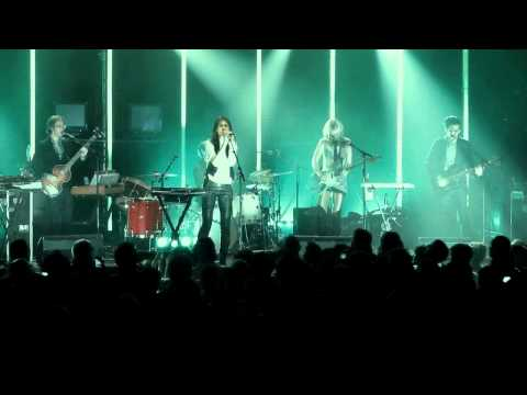 charlotte-gainsbourg-trick-pony-live-charlotte-gainsbourg
