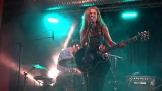 Nina ATTAL Indélébille Live @u Festival Les Mauvaises Graines  2016