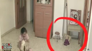Video CCTV Hantu Gaib Mengganggu Anak Kecil