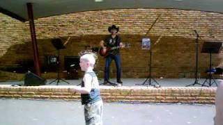 lee kernaghan planet country live first time 09