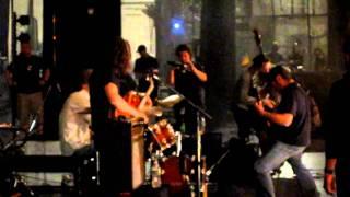 Robert Trujillo Jams With Alex Skolnick Trio