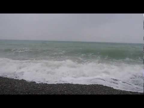 Снег и море