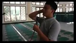 Muadzin nyanyi lagu 'eta terangkanlah'