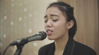 Kaulah segalanya - Ruth Sahanaya ( Cover by Ajeng Febby H feat Joe Wuhang)