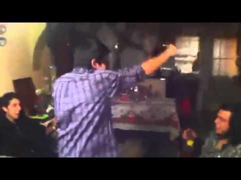 Vengo De La Casa De Ellla En Italiano de El Rookie Letra y Video