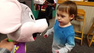 Chuck E Cheese Plush Doll and Happy Dance | The day we get to bring Chuck E Cheese Home