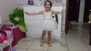 O minha priminha sempre dançando 😍😍😍