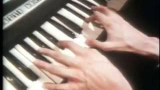 Jean Michel Jarre - Equinoxe 3 (live on piano)