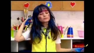 Chamada Carrossel - o cabelo da Maria Joaquina fica azul