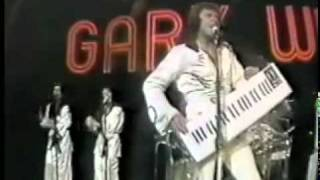 YouTube - 'Love Is Alive' (Midnight Special, 1976) - Gary Wright.flv