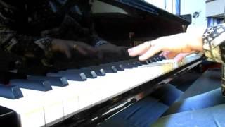 Tributai ao Senhor, filhos de Deus (piano e voz)
