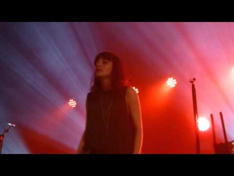 chvrches-playing-dead-debut-hd-the-dome-tufnell-park-230915-planet-music-reviews-hd-uk