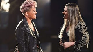 """(HD VERSION) Kelly Clarkson & P!nk """"Everybody Hurts"""" LIVE at the 2017 American Music Awards!"""