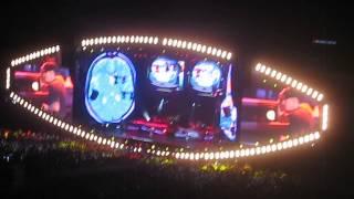 Eminem ft 50 Cent - Patiently Waiting (Live @ Yankees Stadium)