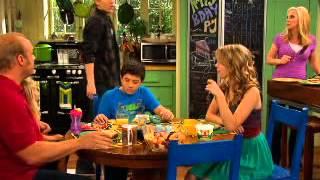 Powodzenia, Charlie! - Prezent dla PJ'a. Oglądaj w Disney Channel.