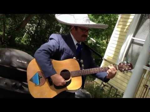 "Don Josué sings ""Nicaragua, Nicaraguita"" by Carlos Mejía Godoy"