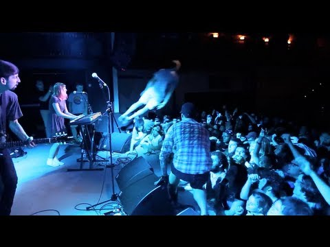 tigers-jaw-i-saw-water-live-at-the-sinclair-boston-runforcovertube