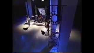 Gordon Duncan on whistle : Dougie MacLean Band