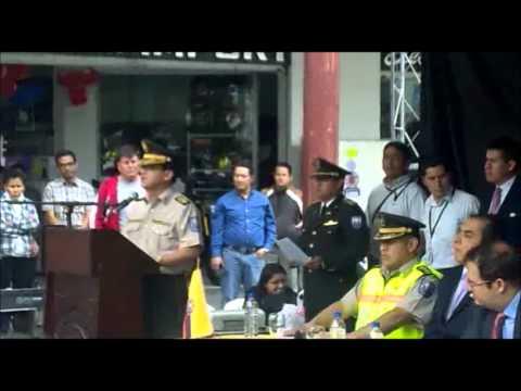 Conectados / Min.del Interior entrega vehículos a la Policia Nacional de Loja.wmv
