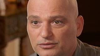 Howie Mandel Talks About Living With OCD | 20/20 | ABC News width=