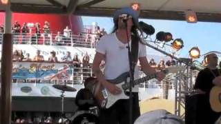 Kid Rock live Pink Houses cover on cruise 2010