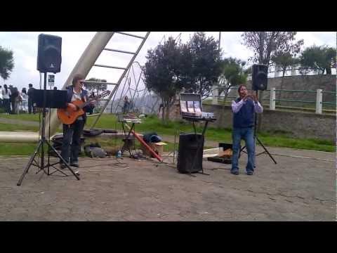 Musicians performing at the Panacillo, Quito