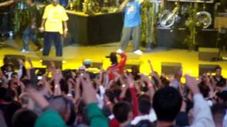 Snoop Dogg - Live - 2pac tribute (clip) - 7/24/09