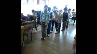 Penguen dansi
