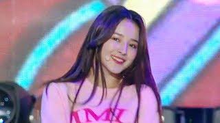 MOMOLAND - BAAM [SBS Super Concert in Suwon Ep 1]