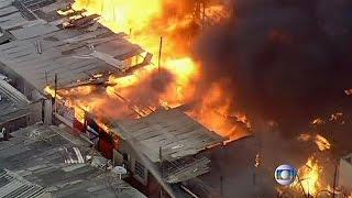 Βραζιλία: Φωτιά σε φαβέλα με ένα νεκρό