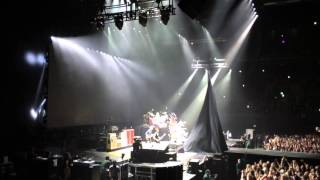 Foo Fighters show opening and curtain fail @ Ziggo Dome, Amsterdam 05/11/15