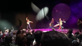 UNA BRUIXA A BARCELONA - Teatre Victoria - Voltar i Voltar