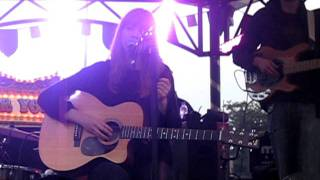 Lucy Rose - Middle of the Bed (live)