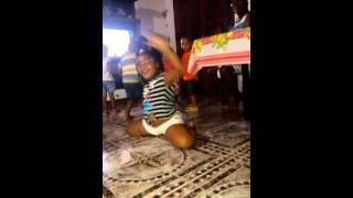 A menina que dança muito