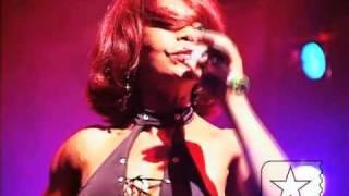 """Elza Soares canta """"Fada """" ao vivo no SESC Pompéia em 2005 - Arquivo Radar"""
