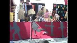 Representação teatral da lenda da  -  marrabenta  -  a música de Moçambique