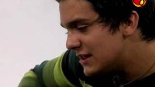 Luan Santana - Você Não Sabe o Que é o Amor - TV UOL.flv