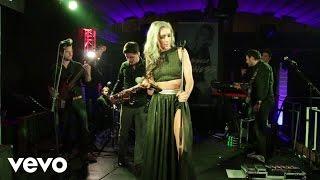 Axeela - Tiptoes (LIVE)