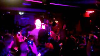 "Mike Posner - ""Cooler than Me"" - live in Paris"