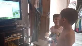 Filipe e João Pedro jogando Minecraft kkkk